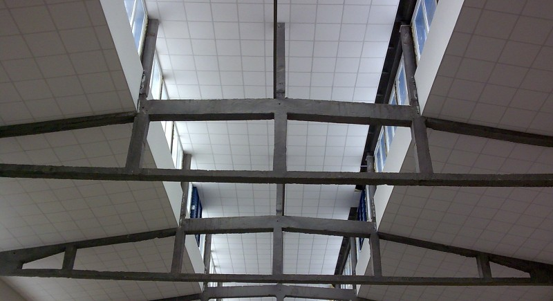 Монтаж на окачени растерни тавани.