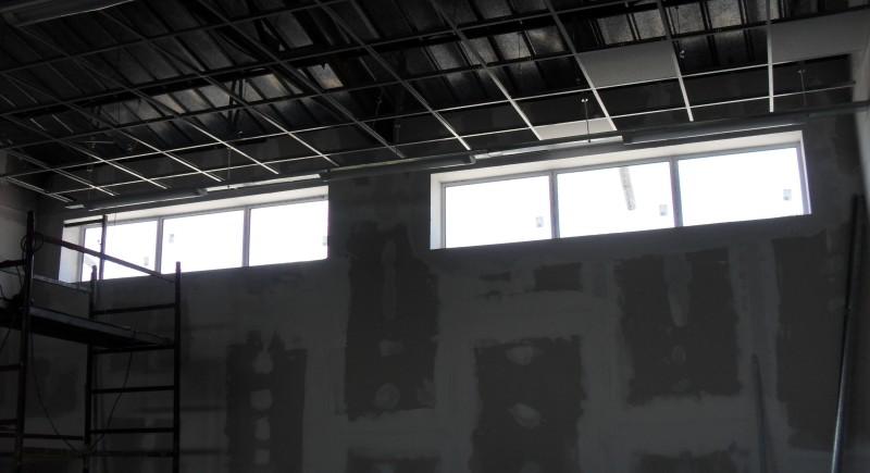 Растерен окачен таван , промишлено предприятие