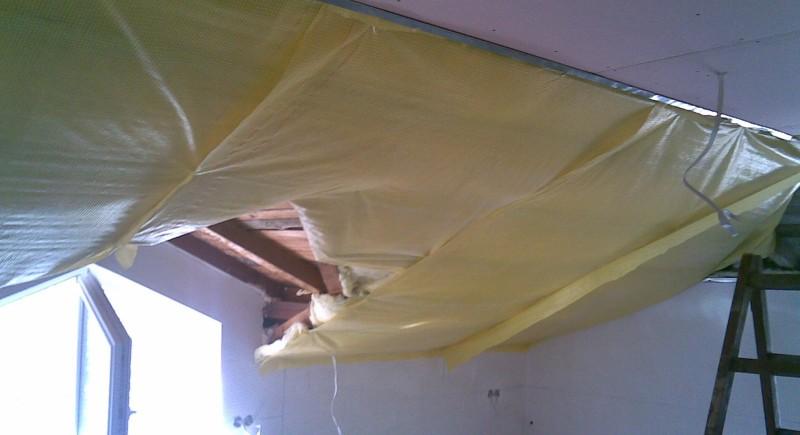 Монтаж и доставка на гипсокартон , окачени тавани в таванско помещение , мансарда .