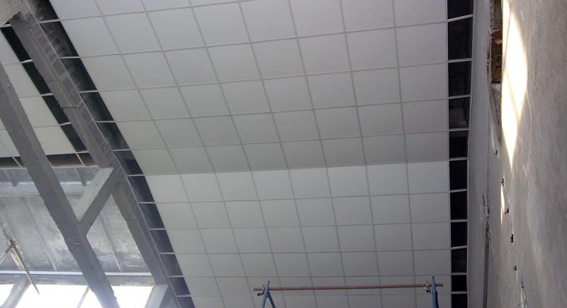 Окачен растерен таван е промишлено предприятие.